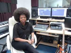 Joyce Sims in the Studio - Musicvein